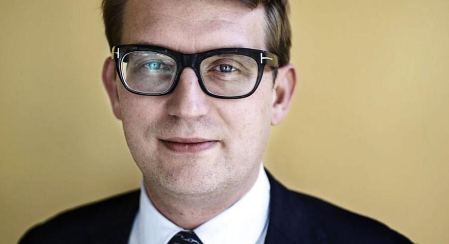Erhvervs- og vækstminister Troels Lund Poulsen (V) har anklaget bankerne for at bidrage til landdistrikternes krise ved at lukke for kreditten. Finanstilsynets nye kurs er sød musik i ministerens ører.