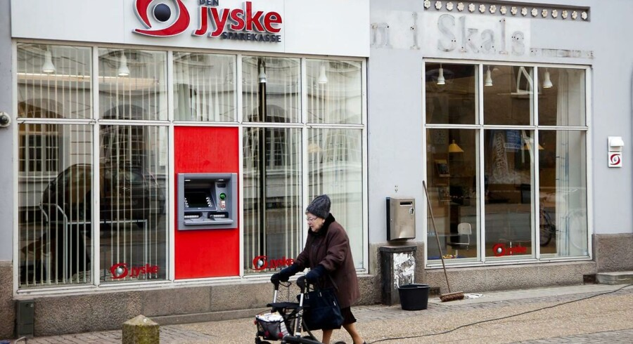 Ifølge Jyllands-Postens oplysninger er Den Jyske Sparekasse et af de pengeinstitutter, der i år er kommet under skærpet tilsyn, men det ønsker Den Jyske Sparekasse ifølge avisen ikke at bekræfte.