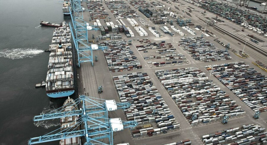Her ses APM Terminal i Rotterdam. En lignende havn kommer til Ghana.