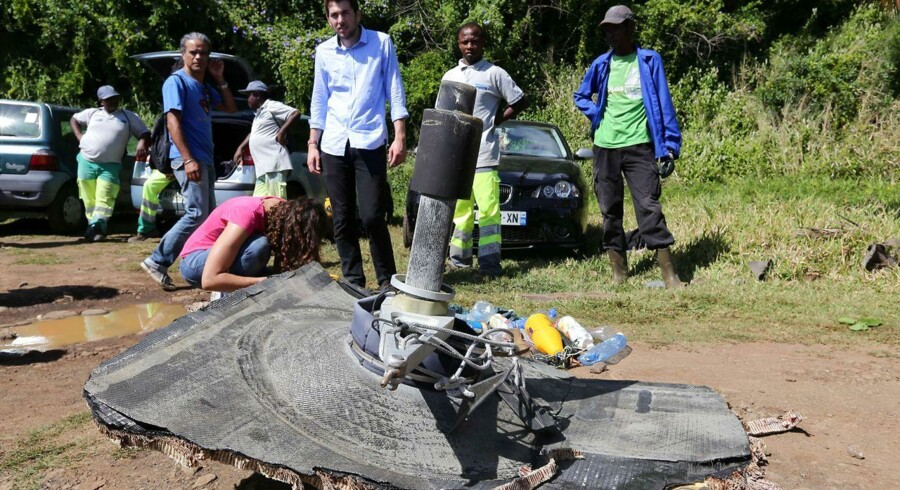 Flere vragdele er blevet fundet i det Indiske Ocean på øen Réunion, som menes at kunne stamme fra det forsvundne MH370-passagerfly, som lettede fra Kuala Lumpur d. 7. marts 2014, og siden aldrig blev set igen.