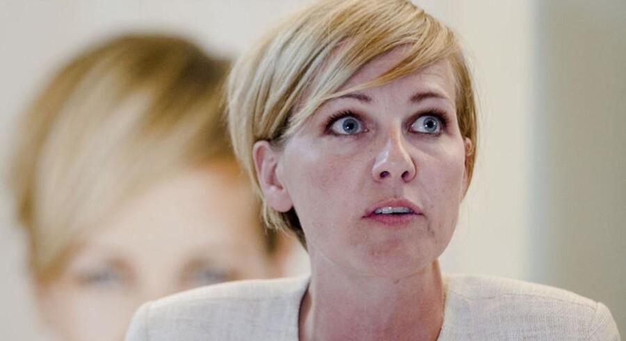 Ida Auken (R) kritiserer regeringens kurs.
