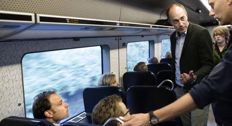 Transportminister Magnus Heunicke på togtur. Arkivfoto: Niels Ahlmann Olesen