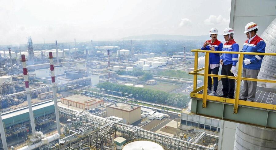Aramcos oliereserver menes at være ti gange så store som Exxons, og selskabet producerer mere end dobbelt så meget olie som Exxon og Rosneft om dagen.