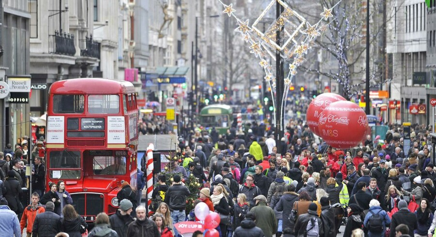 Den danske pensionsgigant ATP vil sammen med AXA Investment Managers gå efter turismen i London. Tilsammen har de nemlig købt to hoteller i hjertet af London.