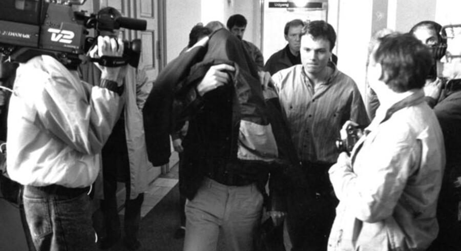 Torkil Lauesen på vej til et af retsmøderne i sagen om røveriet mod Købmagergades Postkontor, hvor banden dræbte politibetjenten Jesper Egtved Hansen