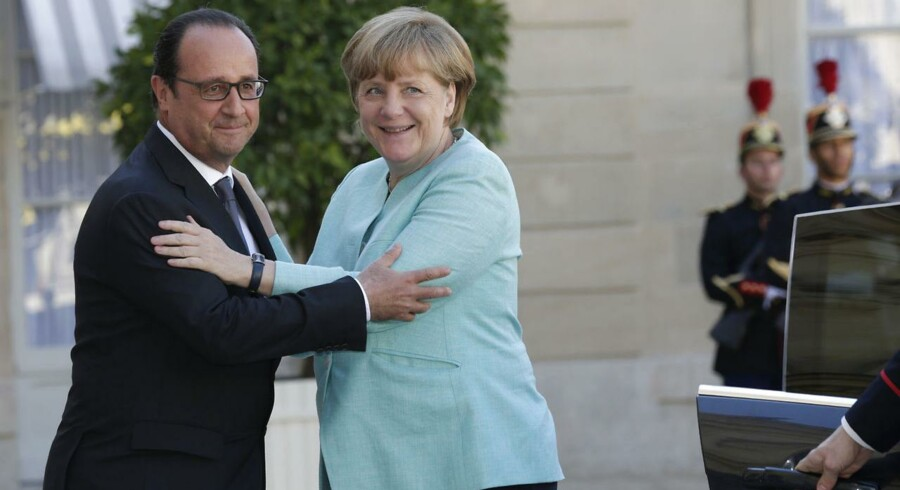 Den franske præsident Francois Hollande og den tyske kansler Angela Merkel har har taget de første forsigtige skridt frem mod en letvægts-føderation.Foto:Philippe Wojazer