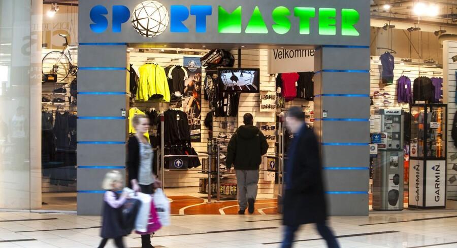 Sportskæden Sportsmaster kæmper med underskud, men forsøger nu at opruste på nettet med købet af fodboldexperten.dk.