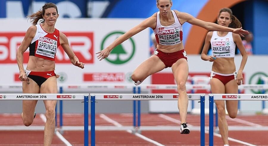 Sportschef hos Dansk Atletik Forbund Piotr Haczek er glad for, at Danmark i år kan stille med det største atletikhold ved OL siden legene i München i 1972. Han tror på, at Sara Slott Petersen (i midten), der stiller op i 400 meter hæk, kan nå finalen i Rio. Scanpix/John Thys