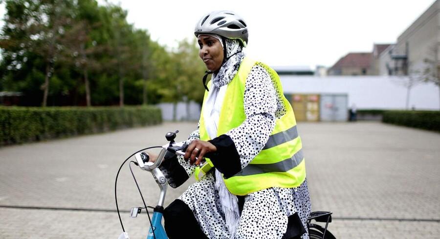 Kvinder bl.a. kan lære at cykle på cykelkurser for flygtninge og indvandrere Københavns Nordvest-kvarter.