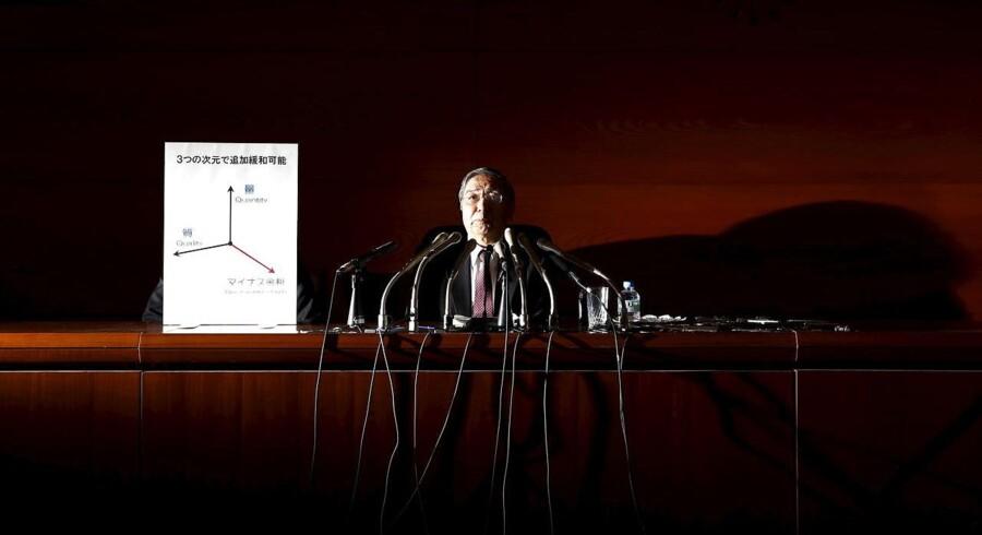 Den japanske nationalbankdirektør Haruhiko Kuroda forklarede i går, hvorfor man har valgt at lade den toneangivende rente gå i minus. Foto: Yuya Shino/Reuters