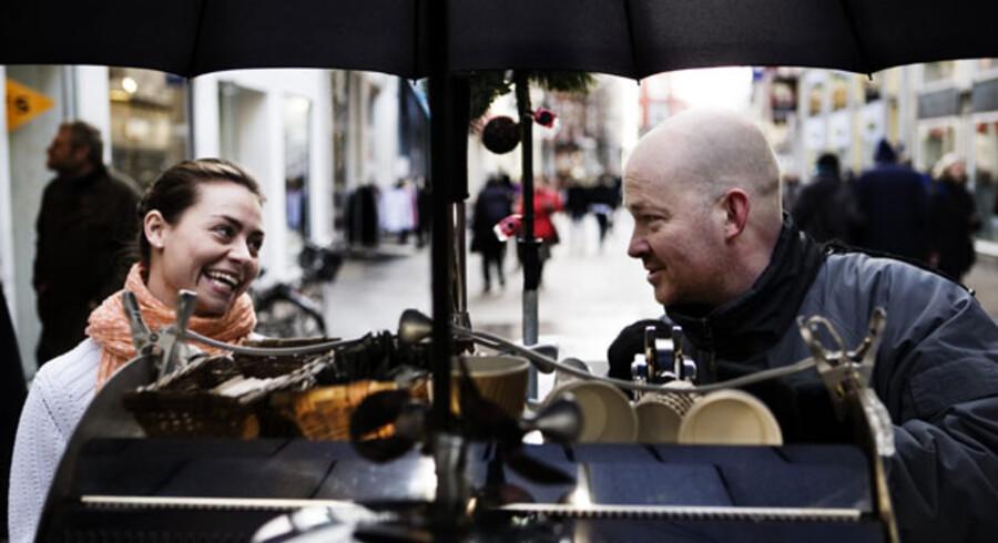 »Når man er den første cyklende kaffemand, står man også forrest, når der skal deles øretæver ud. Men jeg har lært, at man ikke skal være bange for at give svar på tiltale«, siger Ole Skram.