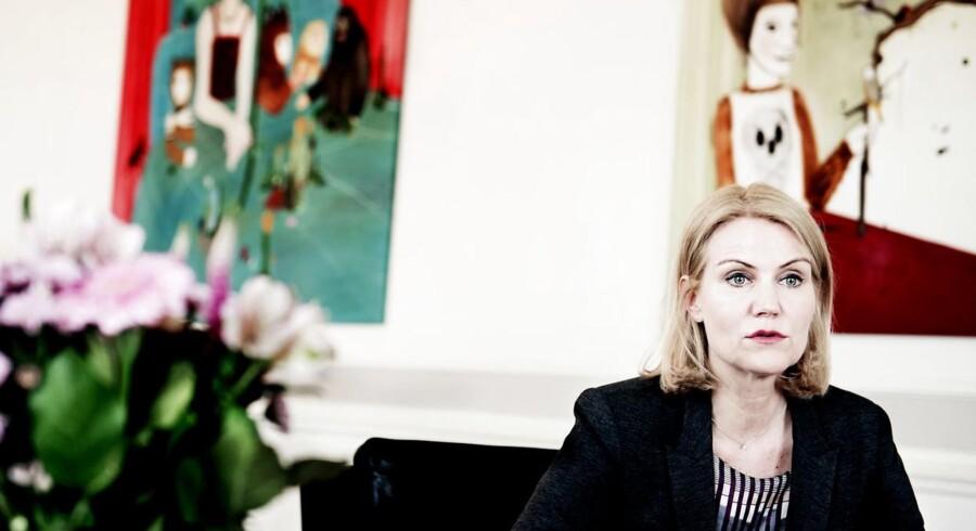 Den nye vækstpakke kan være sidste initiativ, inden statsminister Helle Thorning-Schmidt udskriver valget. Men om det bliver inden sommerferien ved kun hun.
