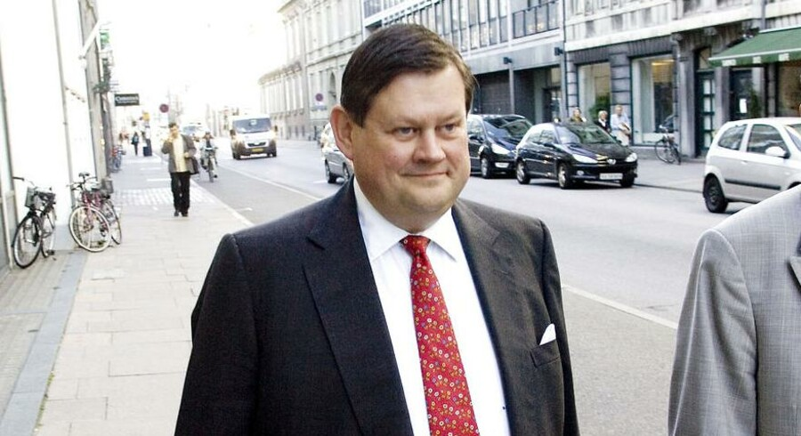 Bjørn Stiedl er mistænkt for at have styret det firma, som den tidlige professionelle cykelrytter Michael Sandstød ejer. Firmaet skulle stå for at etablere et cykelhold i Horserød Statsfængsel, som Erik Skov Pedersen og Bjørn Stiedl har taget initiativ til.