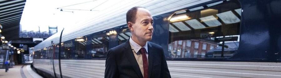Transportminister Magnus Heunicke (S) var fredag morgen en blandt mange pendlere, der mødte op på stationen til et ikke-fungerende rejsekort. Arkivfoto.