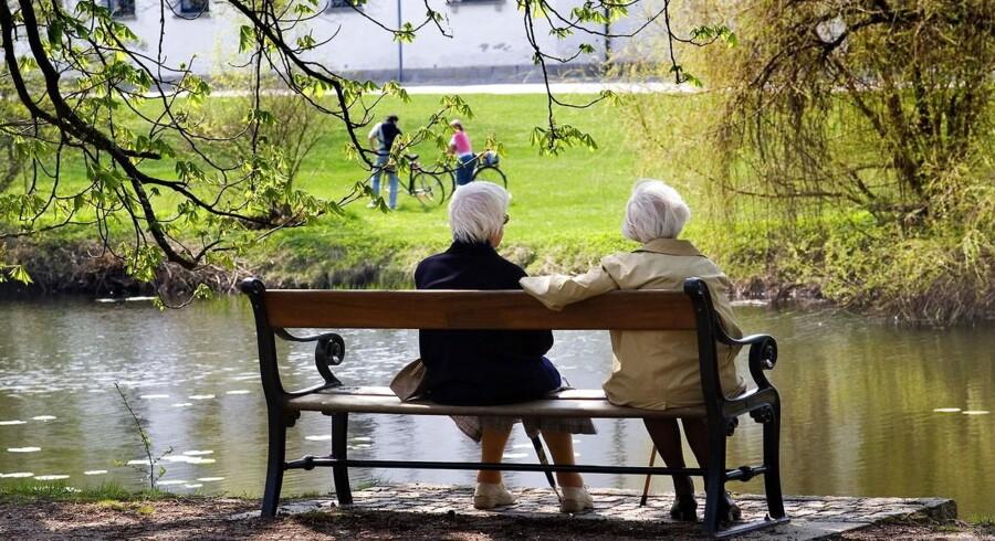 ARKIVFOTO. De Konservative opfordrer Venstre og Socialdemokraterne til at udvise økonomisk ansvarlighed og hæve pensionsalderen. Venstres modstand skyldes taktik, mener Brian Mikkelsen.
