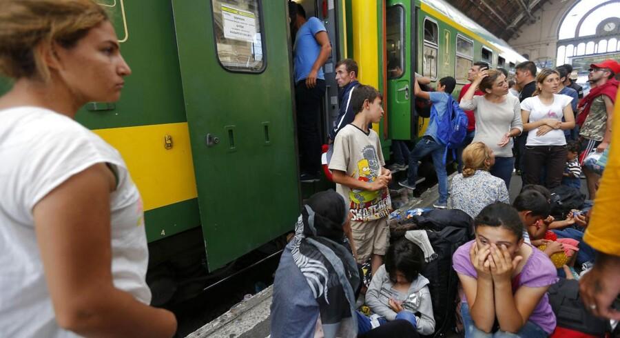 Igen i går forsøgte migranter i Budapest at trodse politiet for at komme videre med tog. Mange vil gerne til Tyskland. Foto:Laszlo Balogh