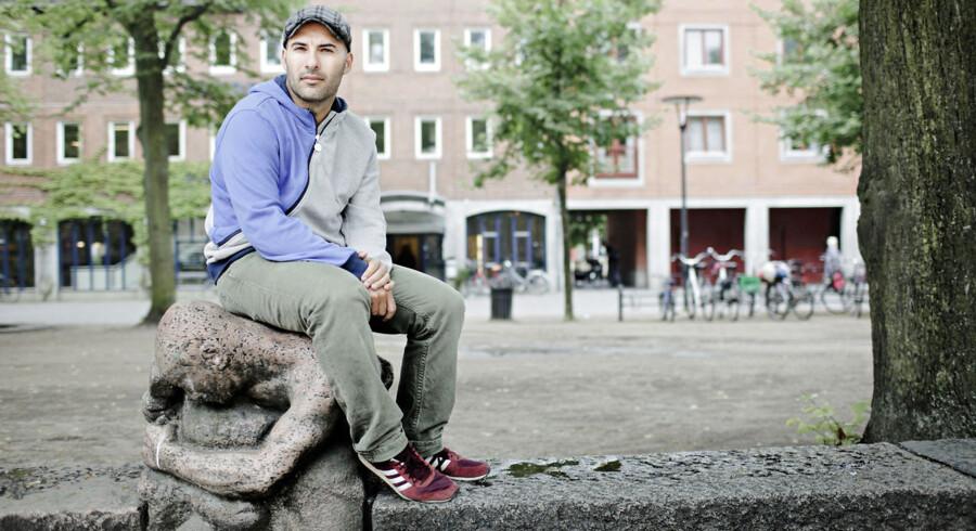 Lars Aslan Rasmussen på Blågårds Plads - hvor han ikke længere holder af at komme.