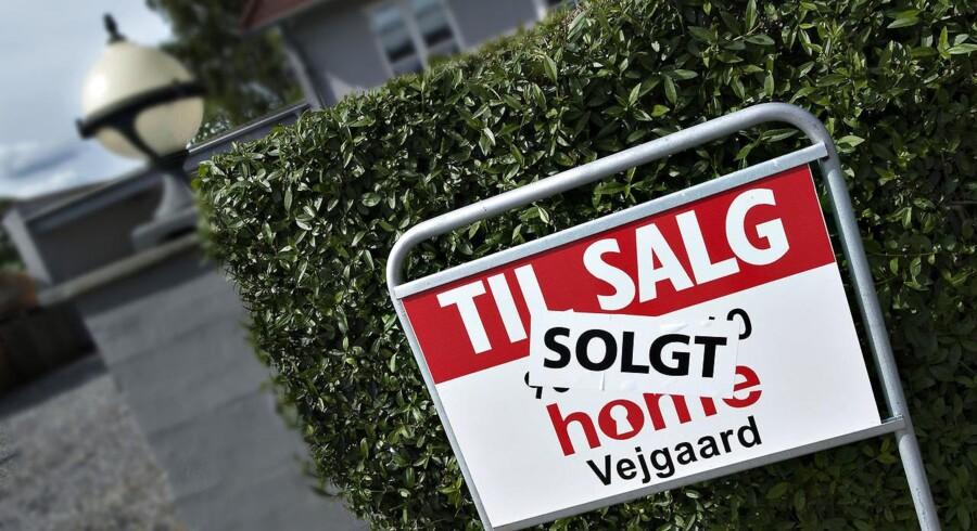Der er nu færre, men dyrere boliger til salg herhjemme.