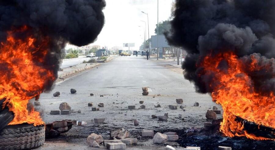 Gaderne i de tunesiske byer har været præget af voldsomme optøjer de seneste dage.