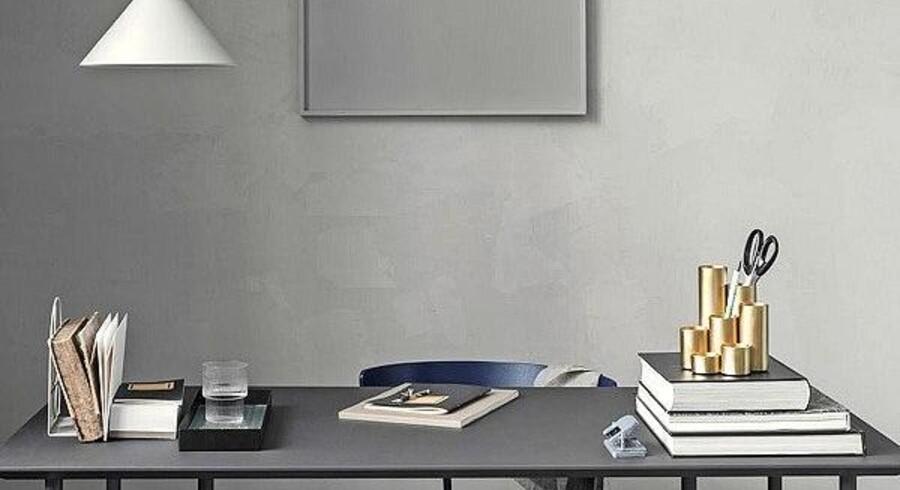 Indret dit hjemmekontor i stil med resten af din bolig, særligt hvis det ligger i et eksisterende rum. Her har Ferm Living skabt en tone i tone-arbejdsstation.