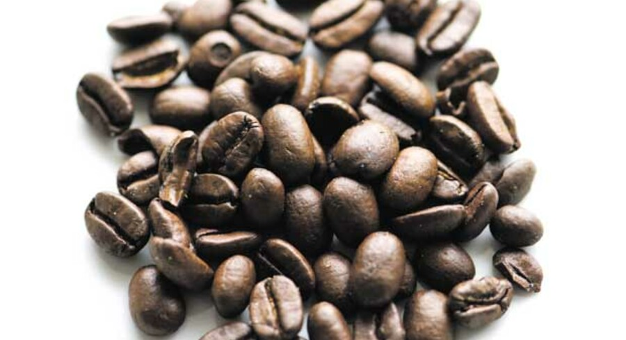Livet er ikke det værste, man har – hvis ellers mokkaen snart er klar. Kaffomaner kan glæde sig over seneste nyt i den uendelige føljeton om kaffens indvirkning på vores helbred: Svenske forskere konkluderer, at en enkelt kop kaffe om dagen sænker kvinders risiko for apopleksi med 22 procent. Og jo, det forebygger endnu mere med tre-fire kopper dagligt.