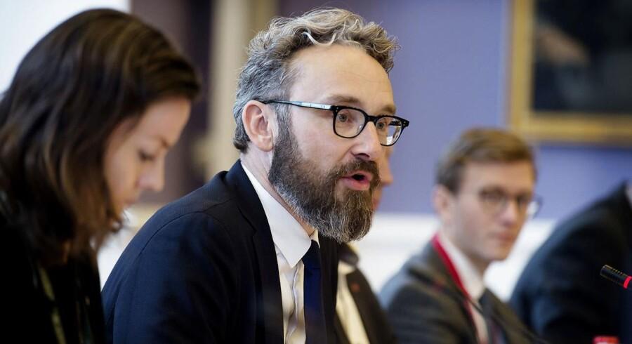 Transportminister Ole Birk Olesen (LA) har tidligere fået kritik fra en række ordførere for sin håndtering af sagen om Havarikommissionen.