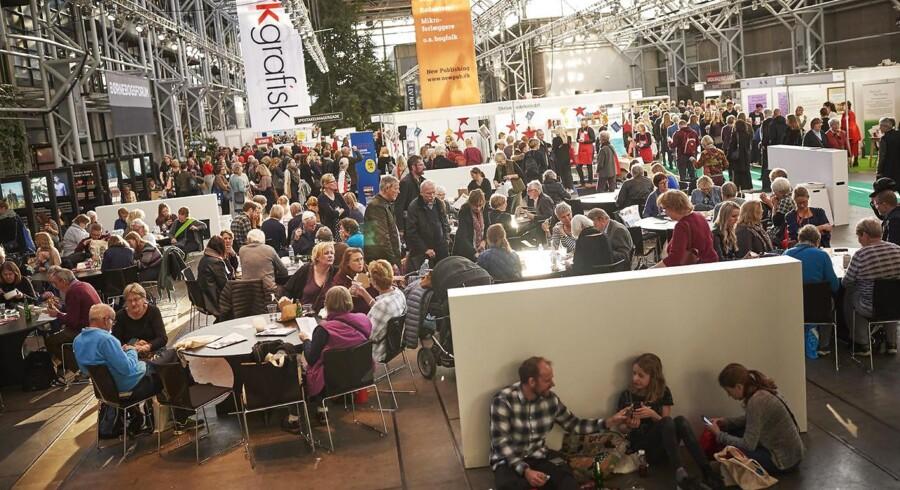 Gæster til årets Bogmesse i Bella Center i København lørdag den 11. november 2017. (Foto: Andreas Beck/Scanpix 2017)