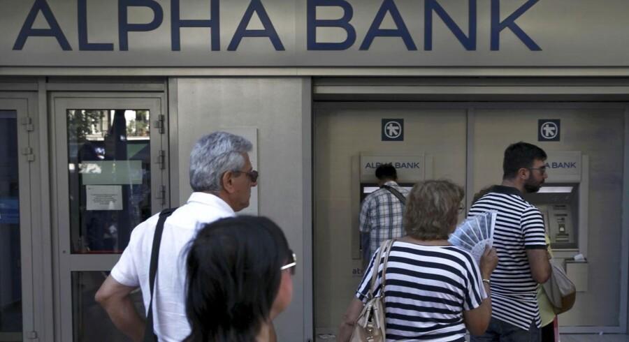 Mandag genåbner de græske banker. De sidste tre uger har det kun været muligt at hæve 60 euro dagen, og køerne har hobet sig op.