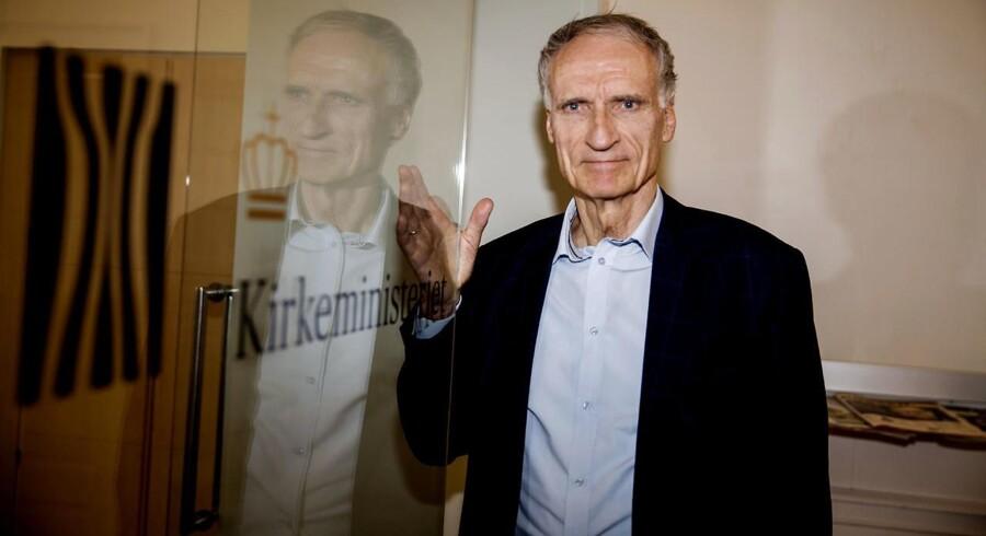 Kirkeminister Bertel Haarder (V) vil kortlægge moskeerne i Danmark.