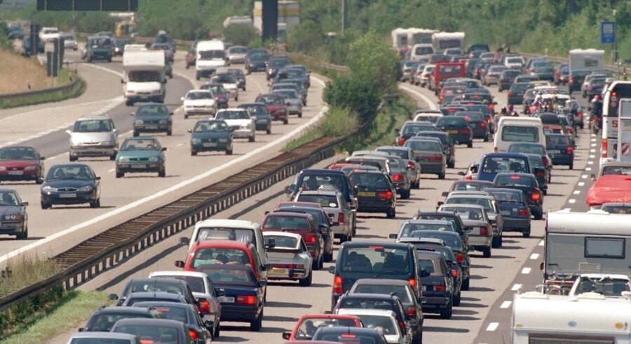 Især bedre veje står højt på virksomhedernes ønskesedler. Hele 44 procent af alle forslagene fra virksomhederne handler således om udbygning og styrkelse af vejnettet.