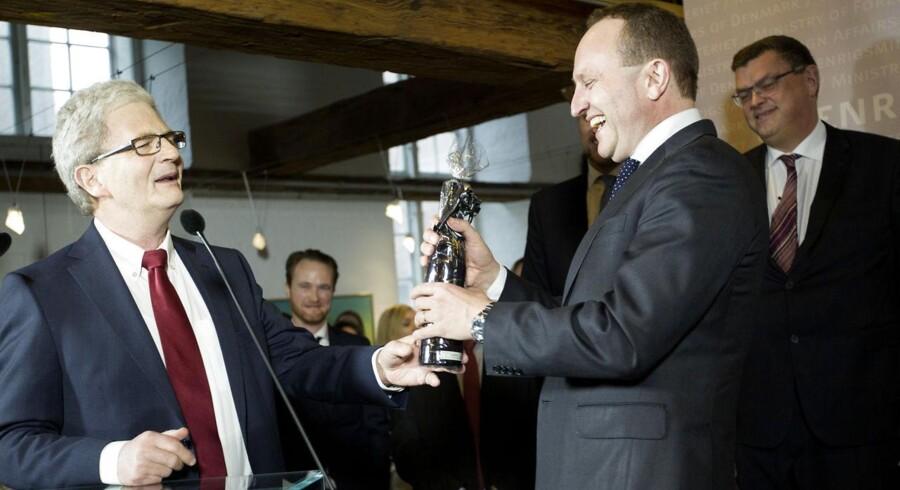 Holger K. Nielsen (SF) blev afløst af Martin Lidegaard (S) som udenrigsministeriet og Mogens Jensen (S) som udviklingsminister.