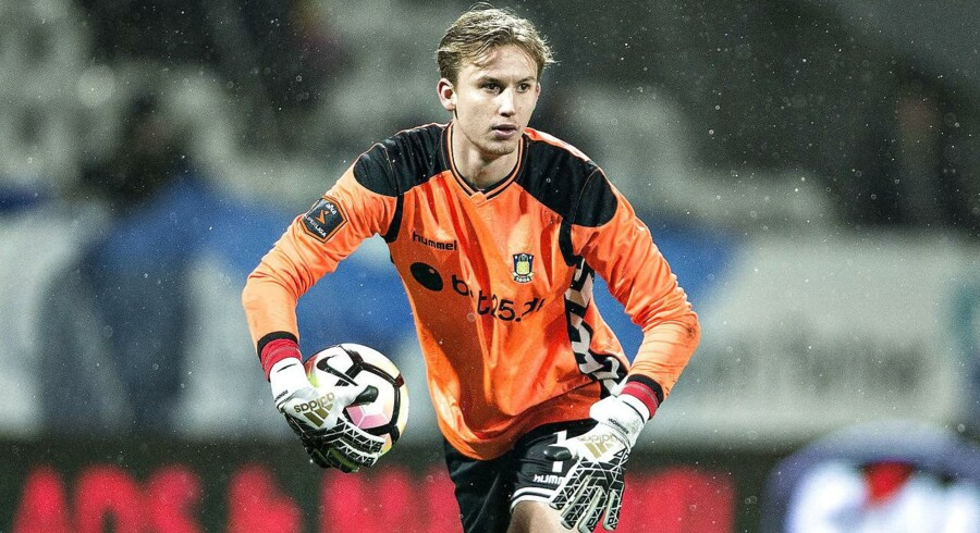 Superligaklubben Brøndby er blevet enig med Eintracht Frankfurt om et salg af målmand Frederik Rønnow, skriver klubben. Prisen lyder på 21 millioner kroner.