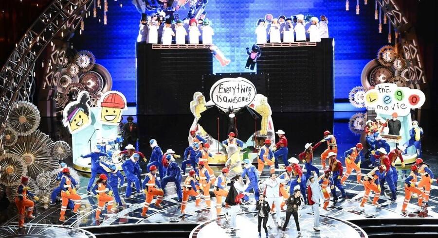Sangen »Everything is awesome« fra LEGO - The Movie fik rigelig opmærksomhed under Oscar-showet, selvom den ikke vandt for bedste titelsang.