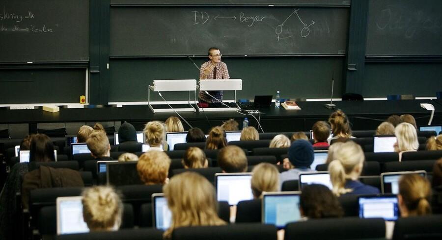 Arkivfoto. Ifølge ny rangliste er Danmark blevet dårligere til at uddanne studerende, end vi var for et år siden. Københavns Universitet rykker f.eks. fra plads nummer 150 til nu at være nummer 160.