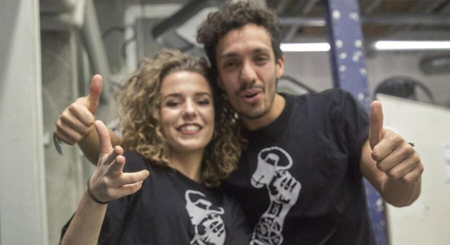 Mayquel Hernandéz og Iris Poparic er to 20 rapcoaches fra RAPOLITICS, der skal hjælpe andre unge med at nyfortolke hovedværker i dansk kultur. Foto: Hans Ole Madsen