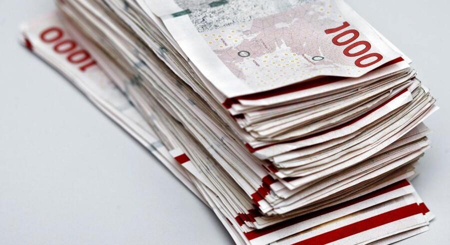 Danskerne lånte sidste år 99,3 millioner kroner i dyre SMS- og internetlån med en løbetid på op til tre måneder.