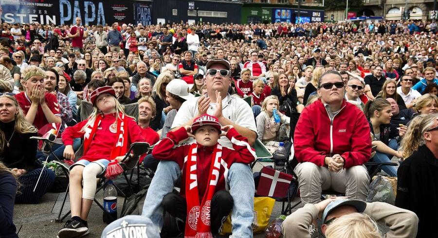 Næsten halvanden million danskere så med, da kvindelandsholdet søndag spillede EM-finale.