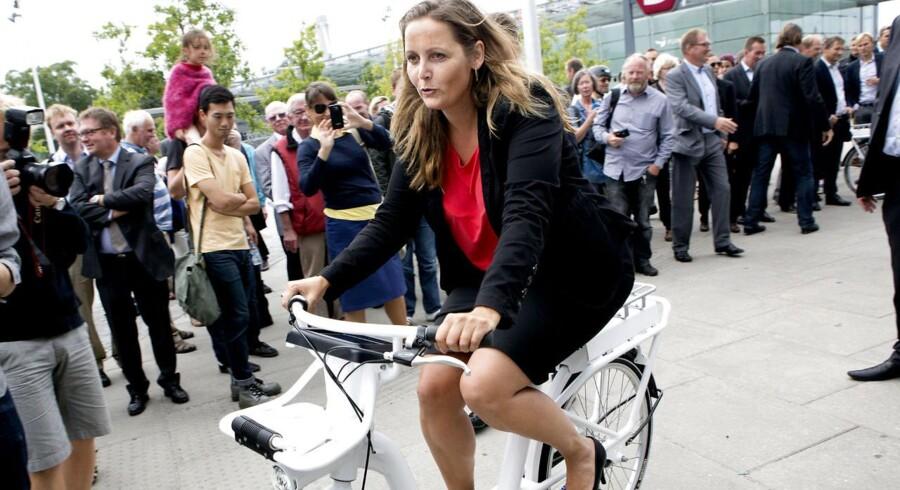 I august i år blev de nye københavnske by- og pendlercykler præsenteret af transportminister Pia Olsen Dyhr (SF).
