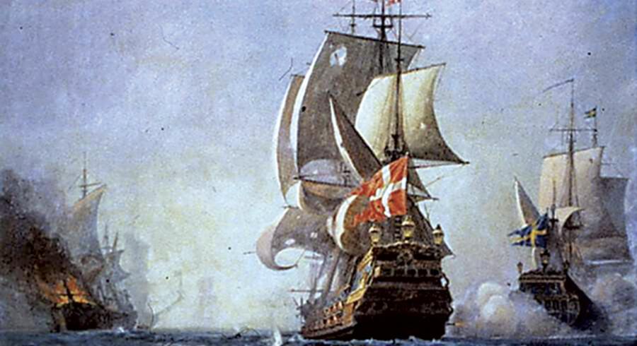 »Dannebroge« blev bygget i 1692, og det var under kommando af kaptajn og admiral Iver Huitfeldt fra Norge, da det i morgen for 300 år siden sank med alle mand om bord i Køge Bugt.