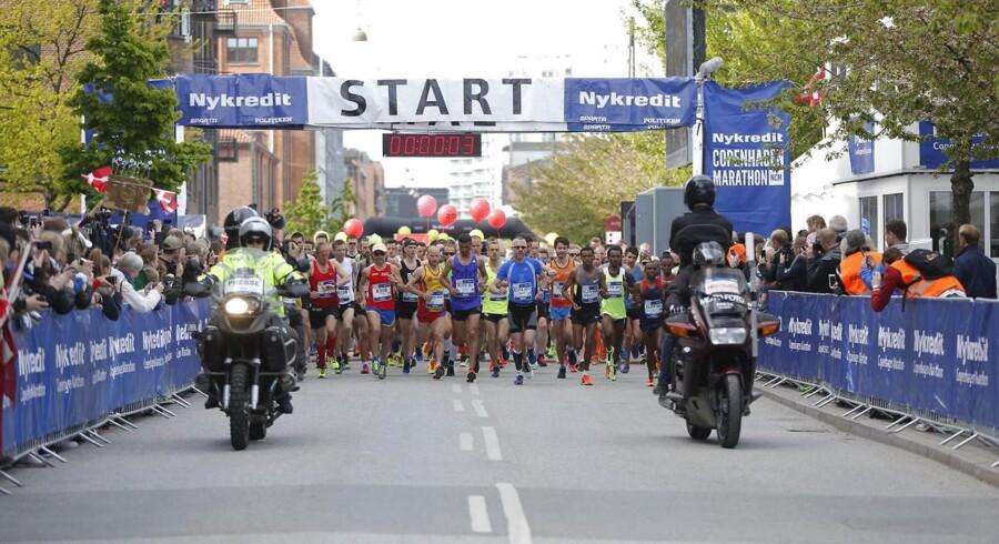 Copenhagen Marathon. Søndag d.24 maj deltager mere end 11.000 løbere i det årlige Copenhagen Marathon. Starten gik på Islands Brygge og distancen på 42.195 meter tilbagelægges gennem indre by, Nørrebro, Vesterbro og Østerbro.
