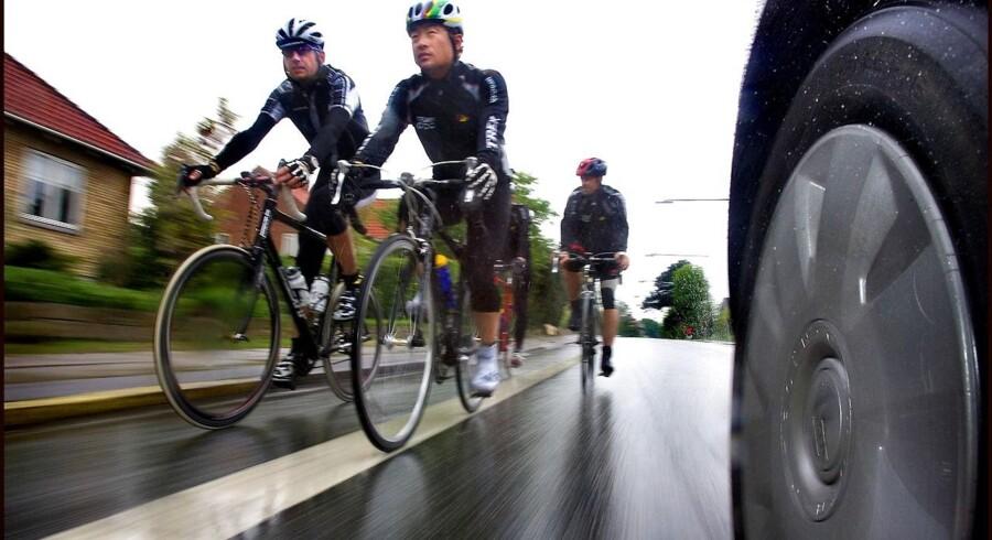 Både cyklister og bilister skal køre pænt på landevejene, lyder det fra Nordsjællands Politi, der er på vej med en kampagne rettet mod begge typer trafikanter.