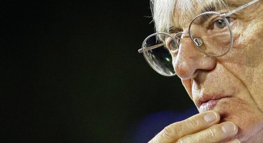 Bernie Ecclestone har budt på bilfabrikanten. Rigmanden er blandt andet er medejer fodboldklubben Queens Park Rangers og Renaults Formel 1-team.