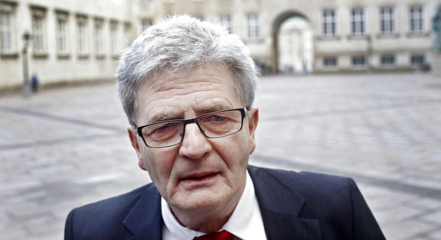 Holger K Nielsen fik kun kort tid som udenrigsminister.