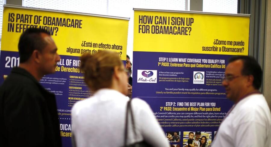 Mere end syv millioner amerikanere har tilmeldt sig Obamacare, og dermed tegner præsidentens sygeforsikringsreform til at blive en succes på trods af modstand fra Republikanerne og også dele af hans eget parti.