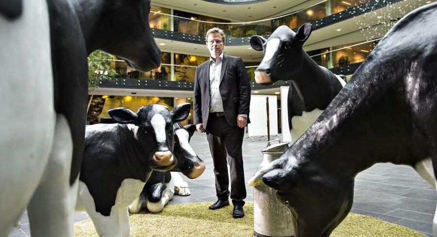 »Heldigvis ligger vi i et smørhul. Lige nu producerer danske landmænd seks til syv procent mere mælk end tidligere. I de kommende år vil vore ejere, især i Danmark, Tyskland og Holland, producere betydeligt mere mælk. Det første gang nogensinde i Arlas 45-årige historie, at andelshaverne har mulighed for at producere mere, fordi der ikke længere er nogen kvoter,« siger Peder Tuborgh.