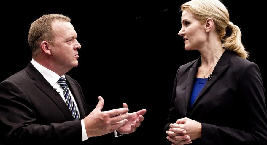 Venstre-formand Lars Løkke Rasmussen taber på en række parametre til statsminister Helle Thorning-Schmidt.