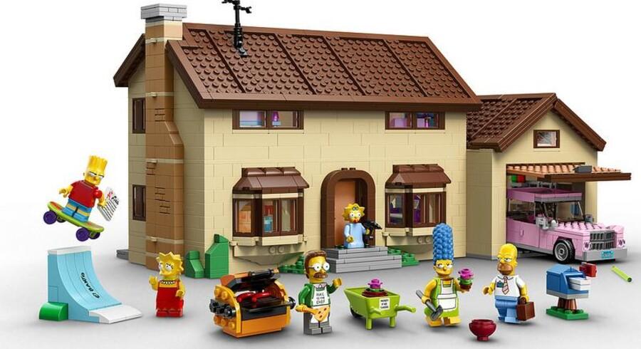 Om en måneds tid vil man kunne købe Simpson-sættet i USA til 200 dollar. De første billeder er allerede blevet lækket til offentligheden.