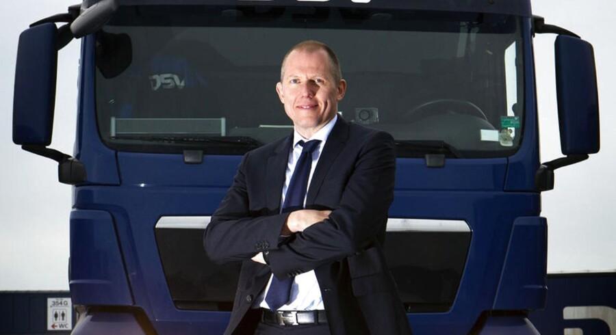 Jens Bjørn Andersen, topchef for transportgiganten DSV, er godt tilfreds med et stærkt tredje kvartal og opjusterer nu forventningerne til årets resultat.