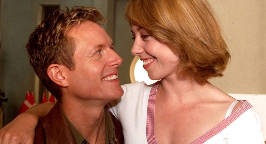 Det var tilbage i 2002 at Sofie Gråbøl og Peter Mygind stillede op til pressefotografering i TV byen i anledning af den kommende premiere for tv-serien 'Nikolaj og Julie'.