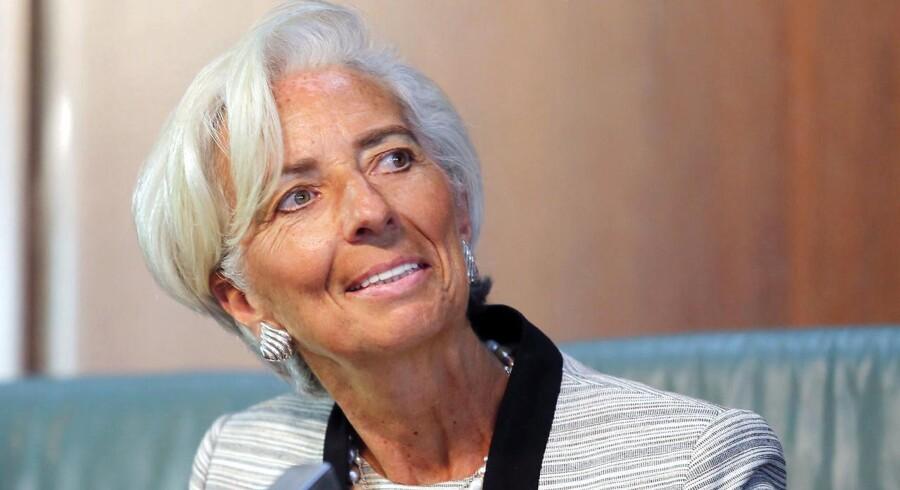 Grækerne har nu ændret holdning og bakker ligesom Tyskland op om, at IMF deltager i en redningspakke.